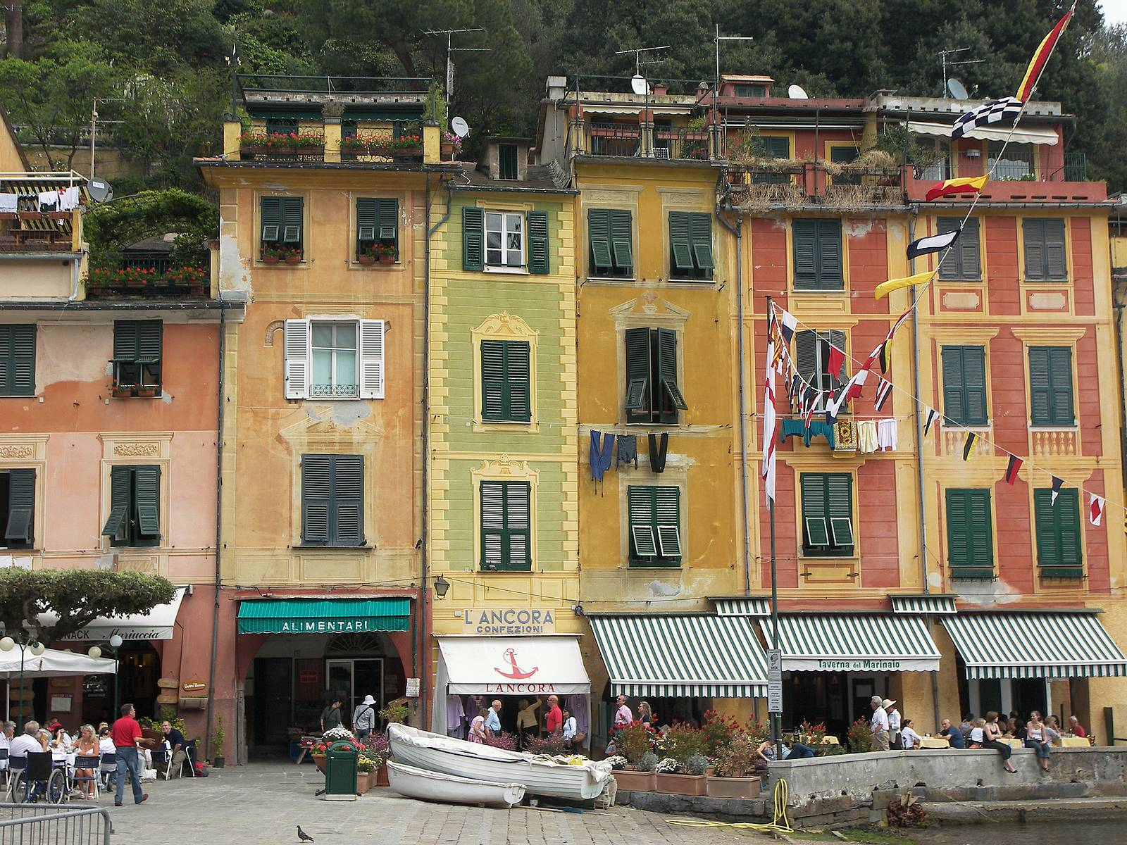 Portofino-bay-shops